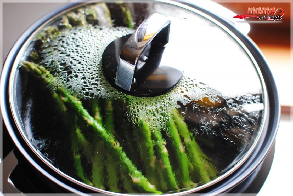 Szparagi - gotowanie na parze