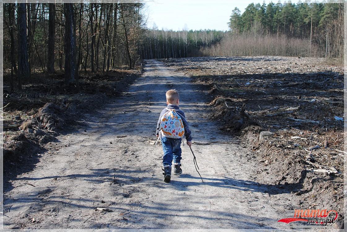 wolna niedziela, czas z dzieckiem, spacer rodzinny, plecako-worek